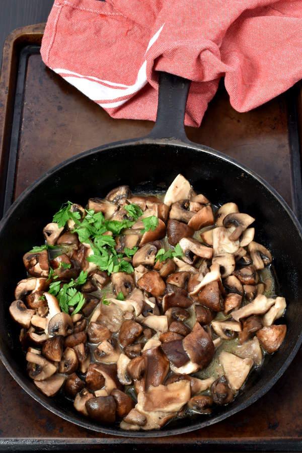Beef Bourguignon (French Beef Stew)   WednesdayNightCafe.com