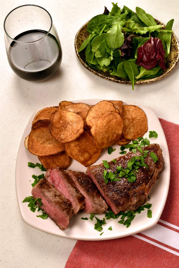 Steak with Homemade Potato Chips| WednesdayNightCafe.com