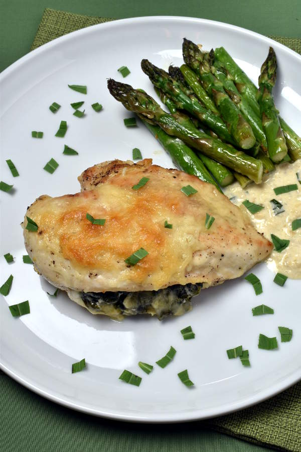 Spinach, Tarragon, and Swiss Stuffed Chicken Breast | WednesdayNightCafe.com