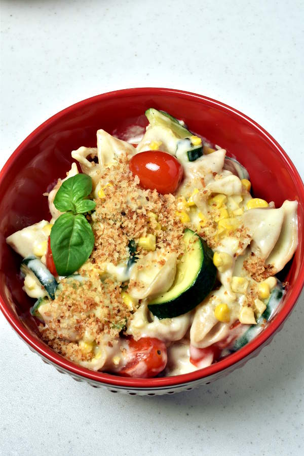 Summer Vegetable Mac and Cheese (Stovetop)| WednesdayNightCafe.com