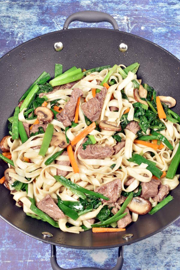 Beef Lo Mein   WednesdayNightCafe.com