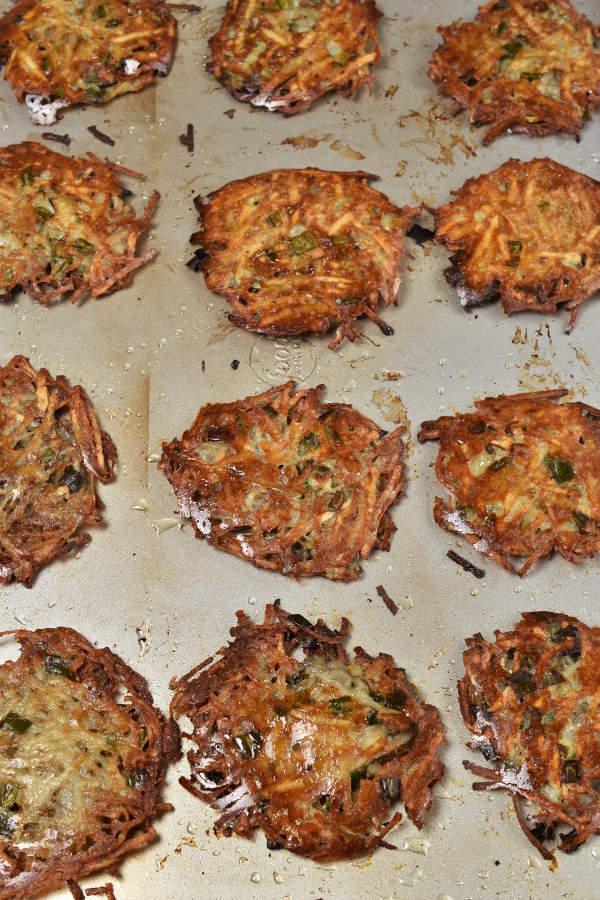 Crispy Baked Latkes| WednesdayNightCafe.com